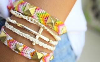 Схемы фенечек прямым плетением: яркий браслет обычной косичкой и с рисунком