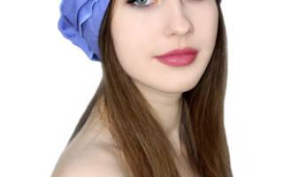 Женская летняя шапка из легких материалов