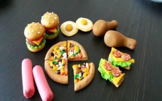 Как сделать еду для кукол из пластилина: приучаем деток к готовке
