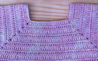 Квадратная кокетка крючком: важная деталь красивой детской одежды
