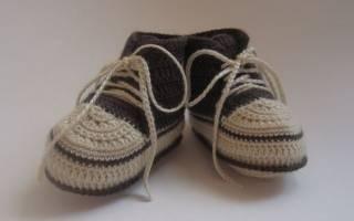 Пинетки-кроссовки крючком для маленьких спортсменов