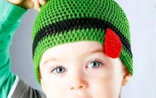 Шапочка для мальчика крючком: утепляем малыша в холодную пору